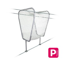 The cradle :Net tunnel, mesh 50 mm, mounted on a tubular steel structure